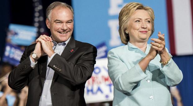Elezioni USA: sondaggi allarmanti per Clinton e la Russia prepara lo scandalo
