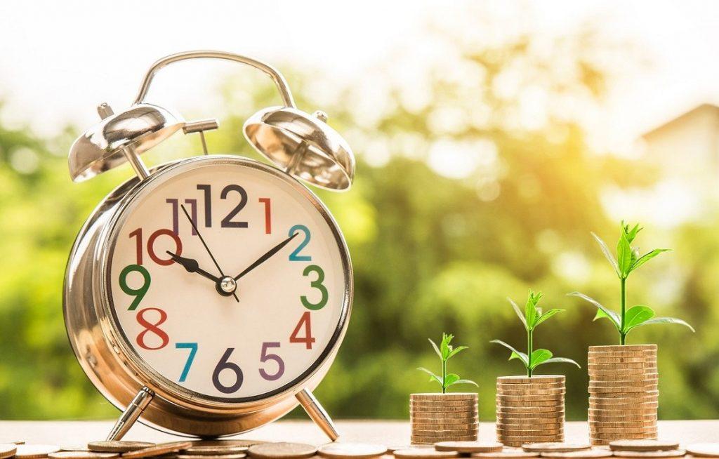 Obiettivo di protezione del capitale e rendimento minimo garantito. Per soddisfare questa esigenza è stato selezionato un cash collect protetto su su Eurostoxx Select Dividend 30 di Unicredit, con protezione al 100% e negoziato su Euro TLX.