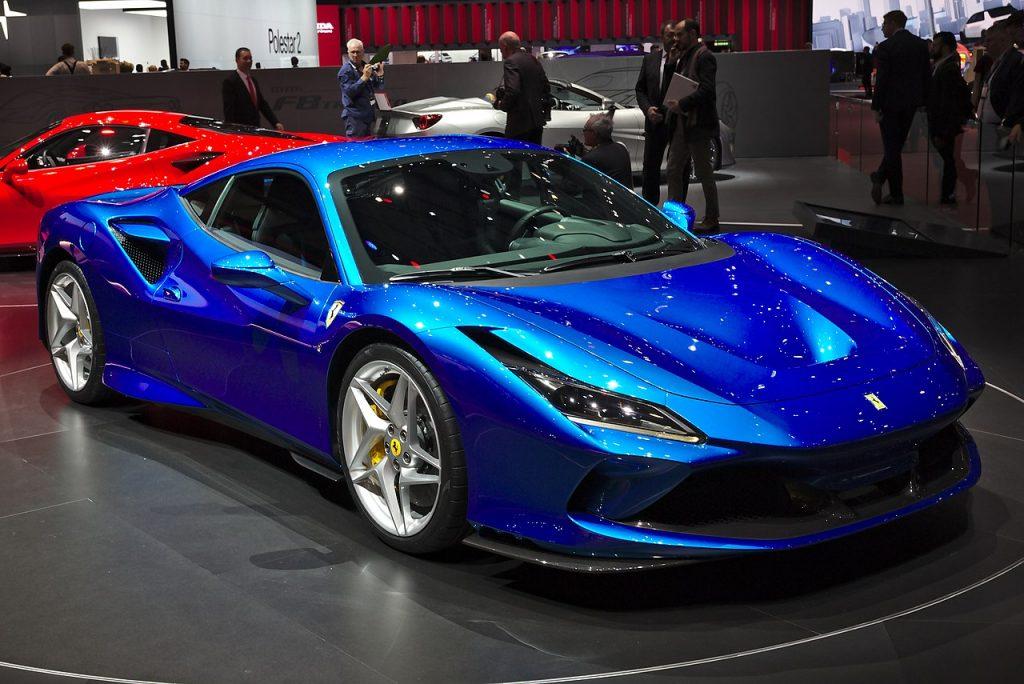 Dall'analisi di Ferrari, eccellenza italiana nel settore delle auto di lusso, sembrano cogliersi spunti di ulteriore rialzo e/o di consolidamento della corsa fatta finora. Lo inseriresti in portafoglio o utilizzeresti certificati? A seguire le analisi corredate da spunti operativi.