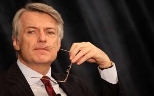 La profezia di De Bortoli su cosa accadrà all'economia italiana