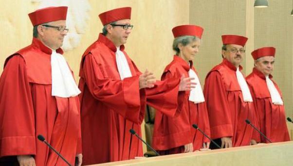 Un sondaggio sul prossimo voto della Corte Costituzionale tedesca rileva le profonde differenze di vedute sull'Esm
