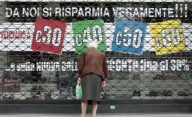 Per Bloomberg l'Italia adesso è sotto osservazione, a causa del suo alto debito e della mancata crescita. Se ci saranno problemi nell'accesso al mercato,  per la  BCE e Germania sarà il momento della verità.