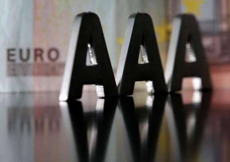 Dal sito di Zerohedge un'analisi sugli effetti dell'outlook negativo sulla Germania di Moody's, sul movimento dello  spread Germania /Usa e sul calo dell'euro sul dollaro
