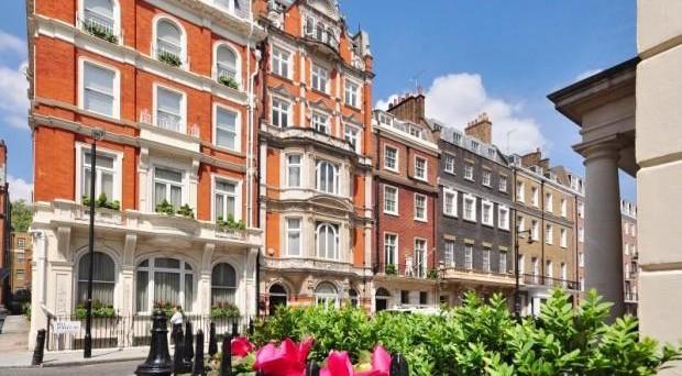 Per la paura di una caduta dell'euro, sempre più italiani stanno investendo in immobili a Londra.