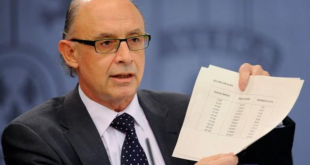 Crisi Spagna: il ministro lancia l'allarme mentre il rendimento dei titoli di stato continua a crescere