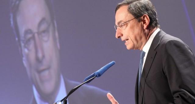 Draghi lascia aperta la porta a misure eccezionali ma nell'immediato la Bce non adotta nessun provvedimento e i mercati presentano subito il loro conto