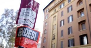 La crisi immobiliare in Italia potrebbe essere prossima alla fine? I dati indicano una realtà abbastanza dura per i proprietari di case e per i potenziali acquirenti.