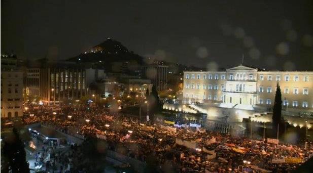 Keep Talking Greece spiega le misure di austerità approvate dal  Parlamento Greco sotto assedio: si torna indietro alla rivoluzione industriale.