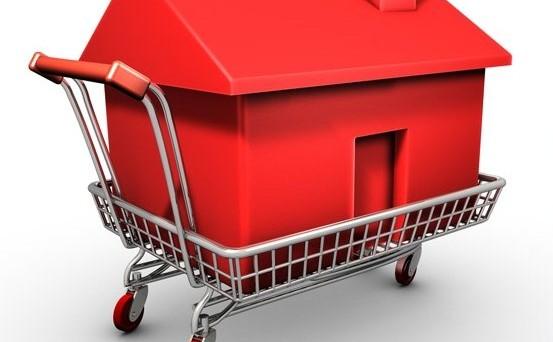 A fronte di un tracollo delle compravendite immobiliari, il prezzo delle case è sceso di appena 4 punti. Ecco perchè.