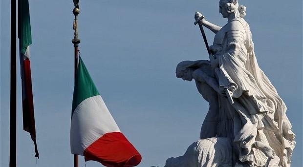In Italia è crisi nera. Malissimo il commercio, giù l'occupazione e crolla il mercato immobiliare. La ripresa sembra essere davvero lontana