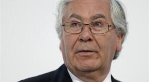 Un editoriale su Reuters parla del  dibattito in corso sui più importanti media finanziari britannici a proposito della rivoluzionaria ipotesi di  stampare moneta per cancellare il debito e redistribuirla (
