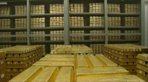 Vendere l'oro della Banca d'Italia o emettere bond che hanno come garanzia le riserve?