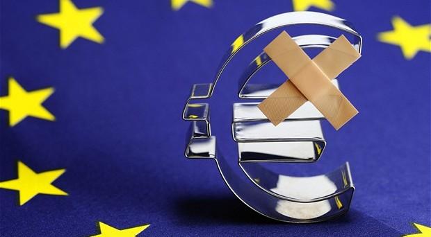Per Roger Bootle la crisi dell'euro non è affatto finita,  e tra poco esploderà di nuovo. Ma è meglio che l'euro non sopravviva, perché in realtà è parte del problema, non la soluzione. Alla fine dell'articolo qualche interessante domanda per i sostenitori della moneta unica.