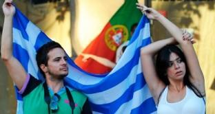 All'economia greca e a quella portoghese non resta altro da fare che leccarsi le ferite. Pil a picco nel 2012