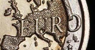 Altro che ripresa. Le tensioni finanziarie si stanno allontanando ma l'economia reale dell'Europa è a terra e non si intravedono segnali di ripresa.