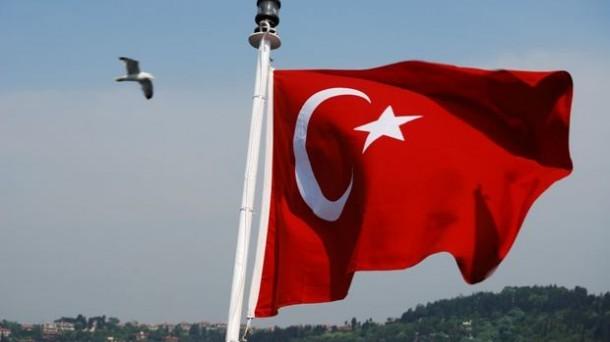 Il boom economico e il basso debito sono i punti di forza della Turchia. I rischi chiaramente non mancano ma la Turchia è soprattutto un'occasione