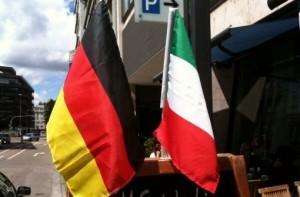 Secondo il FAZ, Francoforte rinvierebbe la pubblicazione dei dati sulla ricchezza per agevolare l'erogazione degli aiuti a Cipro. Prosegue l'assedio tedesco all'Italia