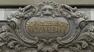 Acquisti illimitati di valuta estera per contrastare l'apprezzamento del franco svizzero. Pil 2013 visto a +1-1,5%
