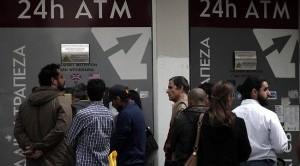 Le banche di Cipro resteranno chiuse anche domani a causa dei timori per la corsa agli sportelli. Comunque andrà a finire la questione del prelievo forzoso è chiaro che in Europa è stato infranto un altro tabù