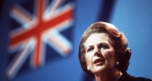 L'ex premier britannico pagò con la sua caduta il suo rifiuto ad aderire all'Area Euro. Famosi i suoi