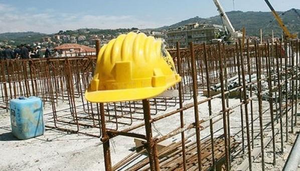 La crisi economica travolge il settore delle costruzioni e di riflesso quello cementifero. La ripresa è sempre più lontana mentre i consumi di cemento scendono ai livelli degli anni Sessanta