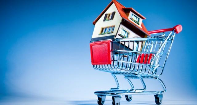 Le case non si vendono più, crollo del 27,5% nel 2012. Si allungano i tempi medi dicompravendite e i prezzi iniziano a scendere. Il mercato immobiliare è tornato ai livelli degli anni Ottanta