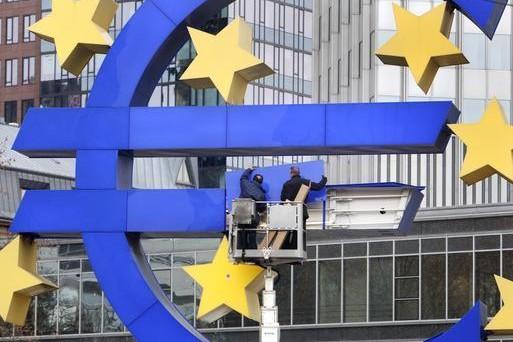 Rallentano gli acquisti dei bond pubblici nell'Eurozona con il QE della BCE. Sullo sfondo le indiscrezioni sui problemi di scarsità dei titoli offerti.