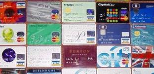 La Proposta della Commissione UE è finalizzata ad incentivare l'uso dei pagamenti elettronici. Le società emittenti vanno subito sulle barricate e si appellano alla necessità di non tornare all'incentivazione del contante