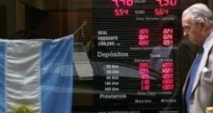 L'economia argentina è scarsamente competitiva mentre cresce il mercato nero delle valute
