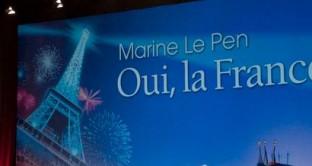 Marine Le Pen del Fronte Nazionale parla chiaro sui guasti dell'unione monetaria, basandosi sullo studio di Jacques Sapir, economista di sinistra, che prevede i vantaggi di un'uscita dall'euro
