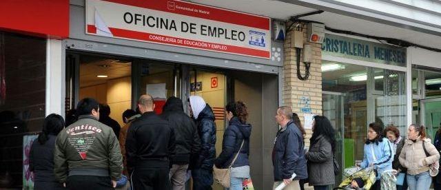 Ripresa tutta da verificare per Madrid, mentre sono certe la disoccupazione quasi al 26% e una crescita anemica fino al 2016. Boom del debito pubblico, già oggi più che raddoppiato dai livelli pre-crisi. E il numero degli occupati è diminuito anche negli ultimi mesi
