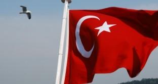 L'inflazione in Turchia cresce ancora a maggio. La lira turca resta debole, ma la banca centrale non può tagliare i tassi, rischiando anche di essere