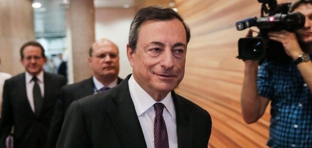 La riunione della Bce di oggi è carica di interrogativi. Per Nomura esiste un 60% di possibilità che sia deciso un ritorno all'acquisto di titoli di stato da parte della Bce