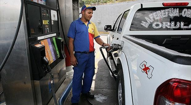 Prezzi di benzina e diesel in leggero rialzo sulla rete per via dell'incremento delle quotazioni del petrolio sui mercati