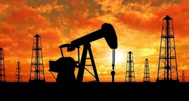 Il prezzo del petrolio potrebbe schiantarsi a 20 dollari al barile in primavera. Per Goldman Sachs potrebbe scendere a 30 dollari. Ecco la ragione del pessimismo degli analisti.