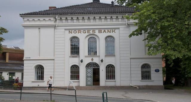 La crisi del petrolio mette in crisi la strategia del governo della Norvegia degli ultimi decenni, basata sui lauti dividendi del Brent per finanziare la spesa pubblica.