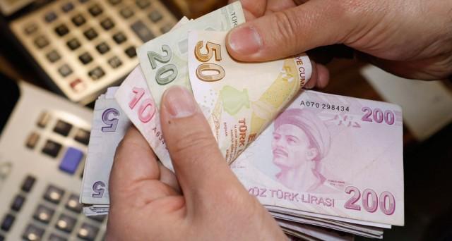 Lo scontro sui tassi in Turchia tra politica e banca centrale sembra essersi preso una pausa e di ciò beneficia oggi la lira turca. Atteso l'incontro tra il presidente Erdogan e il governatore Erdem Basci.