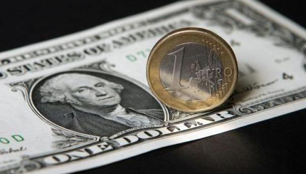 Il cambio euro-dollaro scenderà a 0,80 entro il 2017. Un'altra previsione clamorosa, stavolta ad opera di Goldman Sachs.