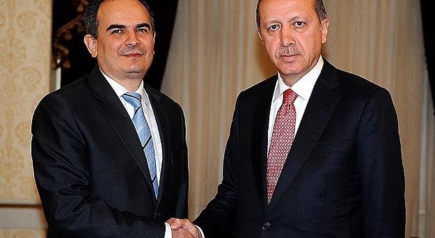 Dopo l'incontro tra il presidente Erdogan e il governatore Erdem Basci, ci sarebbe in Turchia una tregua sui tassi e la lira ne sta beneficiando, così come i bond governativi.