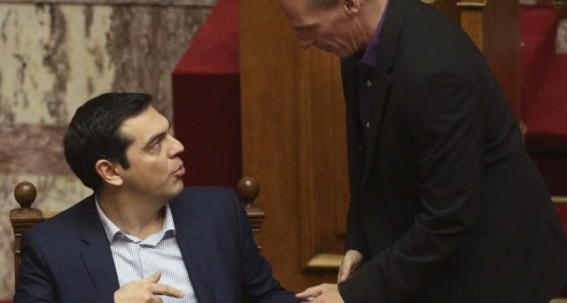 Il premier Alexis Tsipras crede che un accordo tra la Grecia e i creditori pubblici ci sarà. Il siluro del ministro Varoufakis arriva dopo un weekend tormentato. Cosa accadrà nelle prossime settimane?
