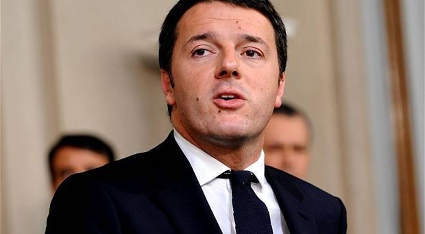 Giudizio lusinghiero del Financial Times sull'apertura del governo Renzi agli investimenti stranieri. Ora il test sulle banche. L'Istat conferma, però, che i conti pubblici non starebbero andando così bene.