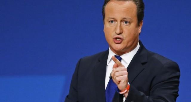 Il premier David Cameron inizia il negoziato con mutare i termini dell'appartenenza alla UE, ma si è dichiarato contrario alla Brexit. Tuttavia, chiede limitazioni ai movimenti e ai sussidi per gli immigrati europei.