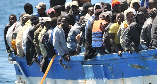 Gli immigrati clandestini saranno smistati per una piccola quota da Italia e Grecia ad altri paesi, ecco con quali criteri. Vediamo se effettivamente il nostro paese potrebbe beneficiare della proposta della Commissione UE.