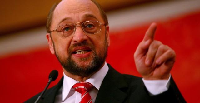 Il presidente dell'Europarlamento, Martin Schulz, avverte la Grecia: ci avete stancati, se uscite dall'euro, sarete cacciati anche dalla UE. E tensione in Germania, dove tra il ministro delle Finanze e la cancelliera non c'è condivisione sulla linea da tenere.