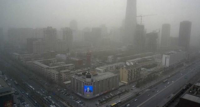 Il crollo della Borsa di Shanghai rischia di avere non solo effetti negativi sulla crescita dell'economia in Cina, ma anche sul resto del pianeta. Vediamo quali.