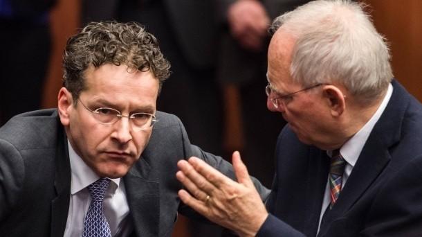 La Grexit non è più formalmente esclusa a Bruxelles. In tal senso vanno le dichiarazioni dei ministri finanziari di Germania e Slovacchia, prima di partecipare all'Eurogruppo in corso. Scettico anche il presidente Jeroen Dijsselbloem.