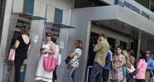 Le banche in Grecia potrebbero restare entro stasera a corto di liquidità. Se la BCE non erogherà loro nuovi prestiti, entro  pochi giorni potrebbe rendersi obbligatoria l'uscita dall'euro. Il negoziato con i creditori potrà ripartire?