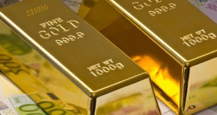 I prezzi delle materie prime scendono verso i minimi dal 2002, ma l'oro risale. Come mai l'apparente contraddizione?
