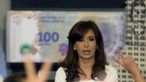 Le riserve valutarie in Argentina sono solo apparentemente stabili, ma i deflussi accelerano. Si teme una nuova stretta sui movimenti dei capitali.