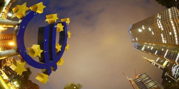Per S&P, il QE di Draghi potrebbe durare fino alla metà del 2018 e arrivare a 2.400 miliardi di euro.